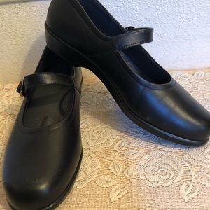 Black sas  Mary Jane shoes